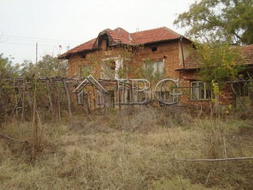 Immobiliers vendre 8 chambres villa maison vendre en for Acheter maison en bulgarie