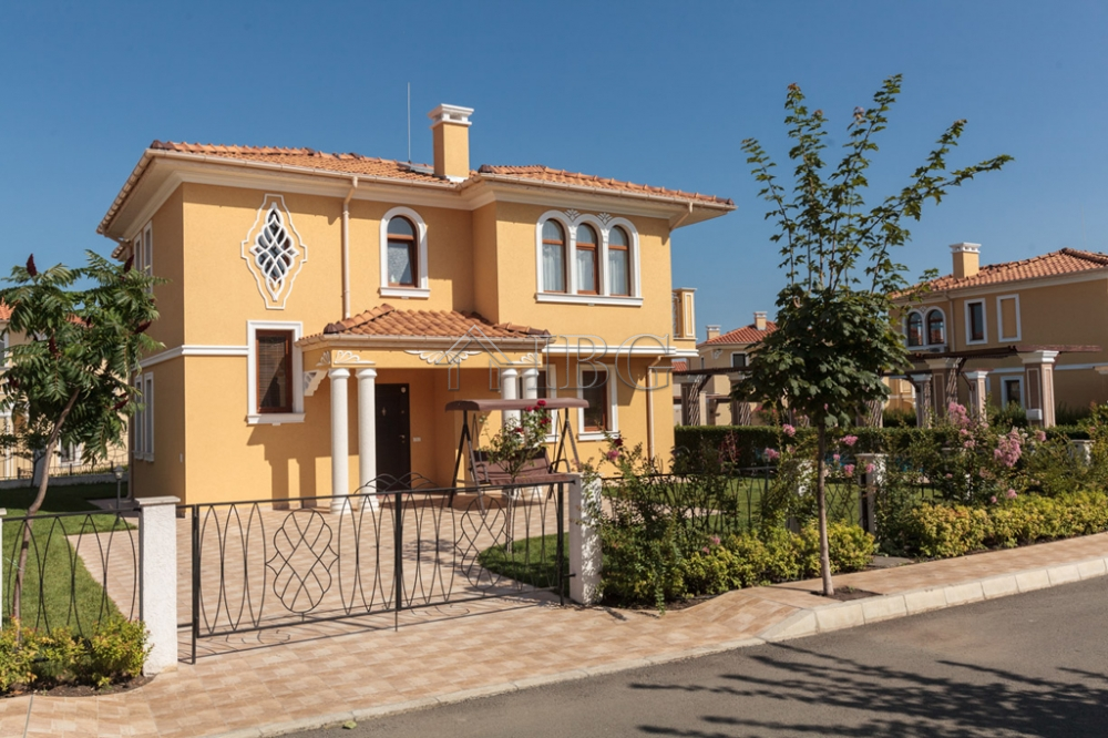 Main Photo of a 0 bedroom House for sale