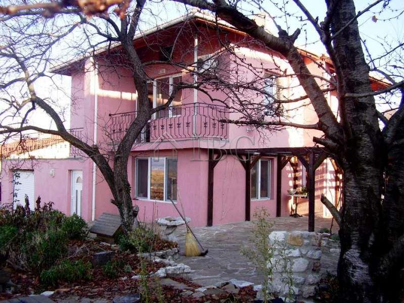 V konstantinovo immobili 11193 bulgaria acquisto di for Case alla ricerca di cottage