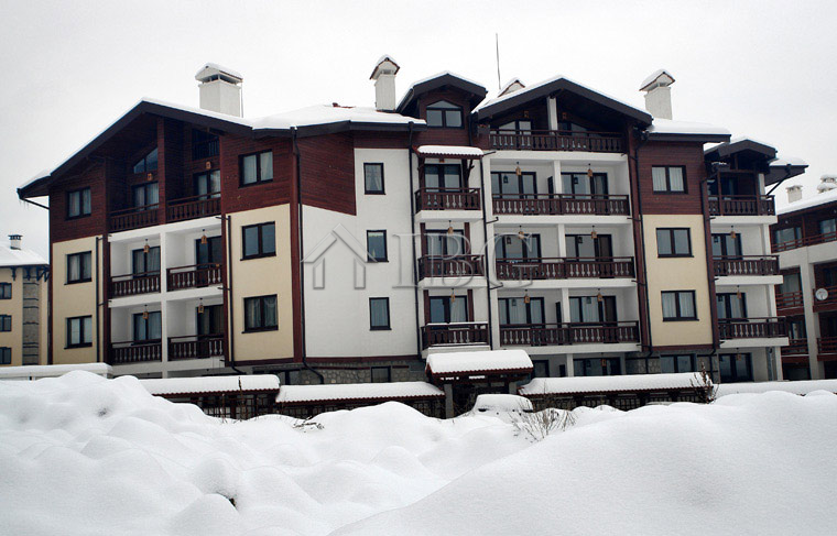 Apartment with 2 bedrooms 2 bathrooms in mountain residence 4 bansko ibg real estate for Mountain view 2 bedroom apartments