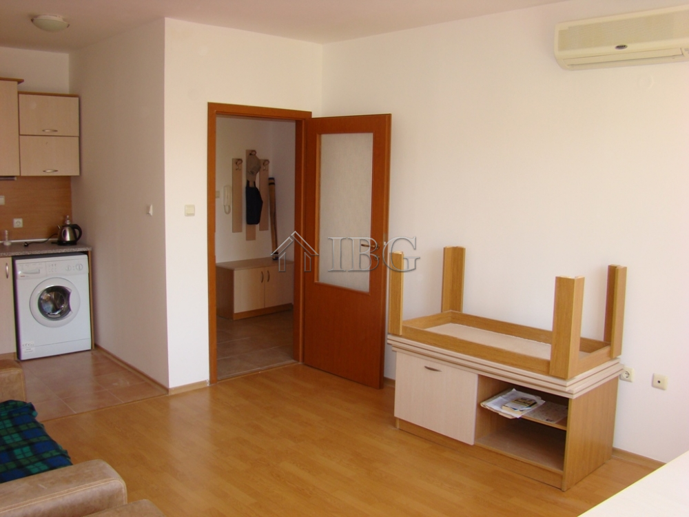 For Sale 1 Bedroom Apartment In Yassen Holiday Village Sunny Beach 70 M To The Sea Ibg Real Estate