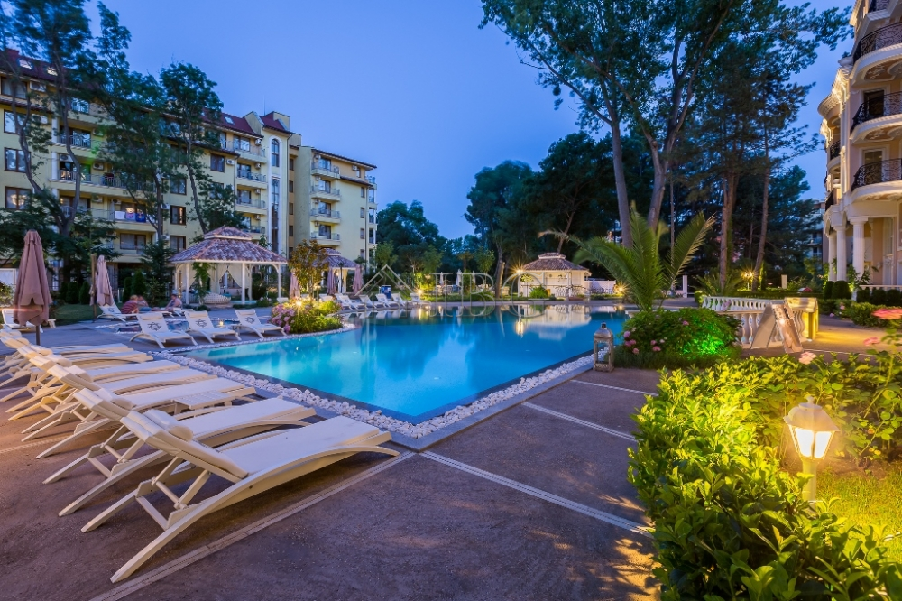 Luxury 1 bedroom apartment with pool view venera palace - Sunny beach pools ...