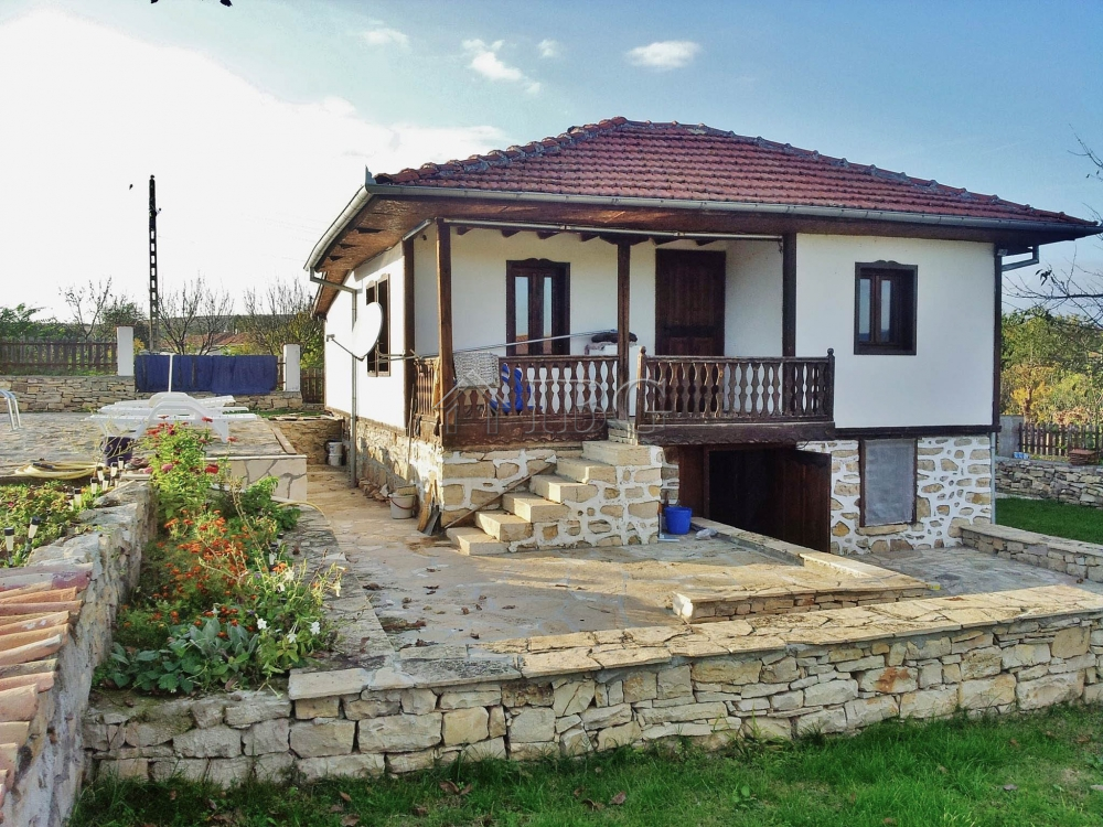 House with 3 bedrooms, 3 bathrooms and a swimming pool near Veliko Tarnovo