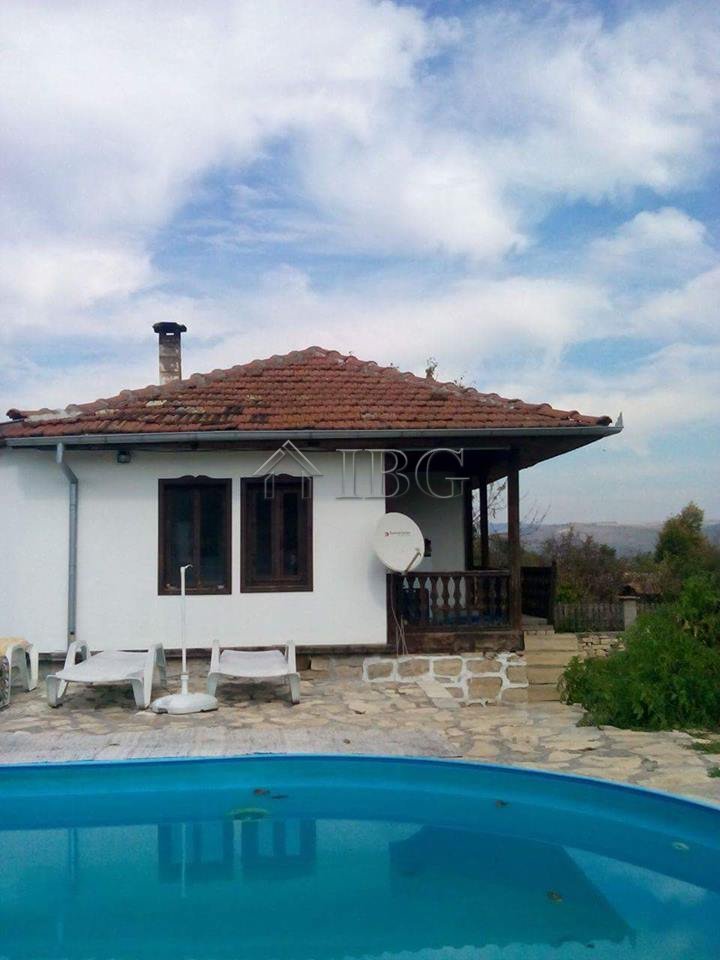 House with 3 bedrooms 3 bathrooms and a swimming pool for Swimming pool close to house