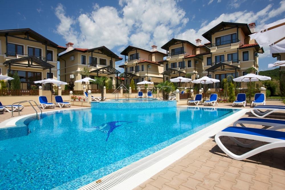 Construction neuve immobiliers vendre 5 chambres villa for Acheter maison en bulgarie
