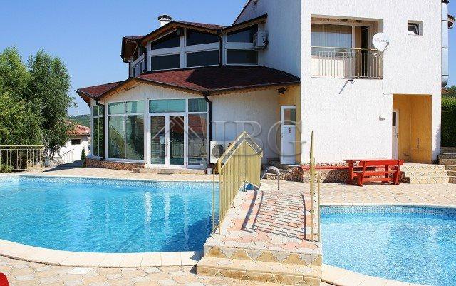 Furnished 2-bedroom apartment near Albena Sea Resort and Balchik