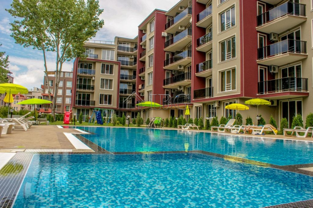 For sale is 1 bedroom apartment with pool view in vip park - Sunny beach pools ...