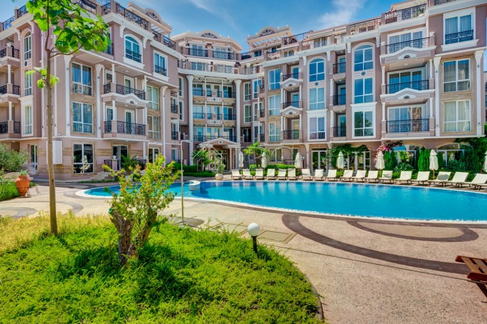 Compact 1-bedroom apartment for sale in Izida Palace, Sunny Beach