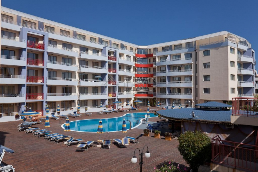 Large 1-bedroom apartment in Central Plaza, Sunny Beach