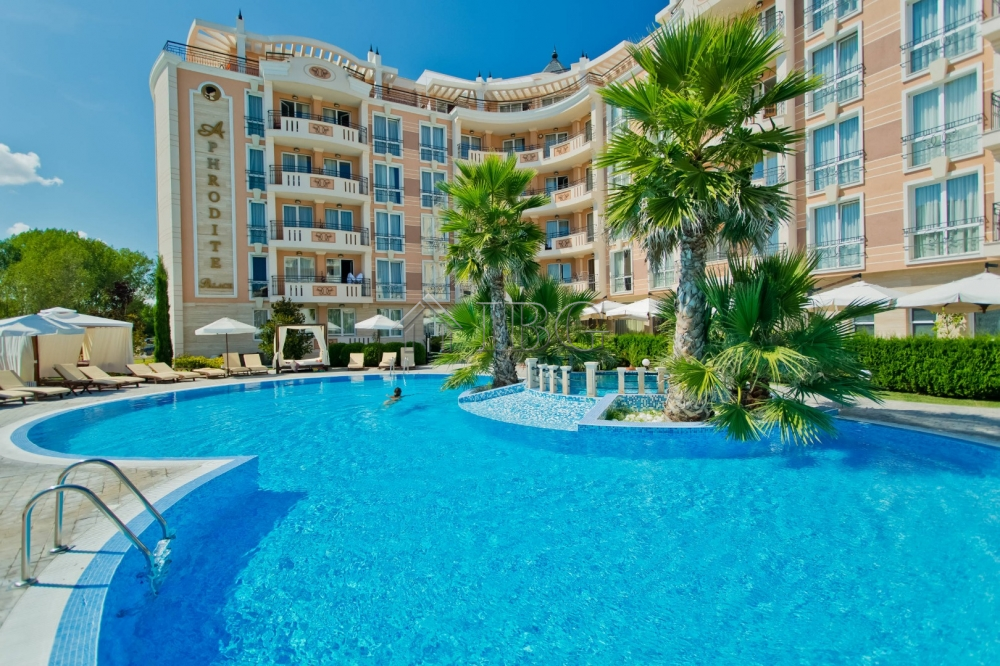 Spacious 2-bedroom luxury apartment in Aphrodite Palace, Sunny Beach
