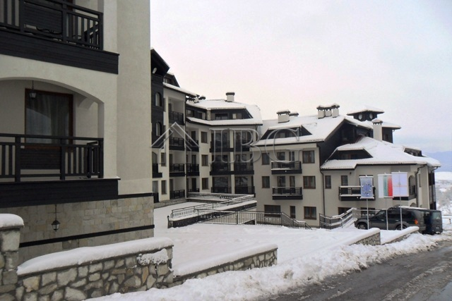 Apartment with 2 Bedrooms and 2 bathrooms in Complex All Seasons Club, Bansko Bulgaria