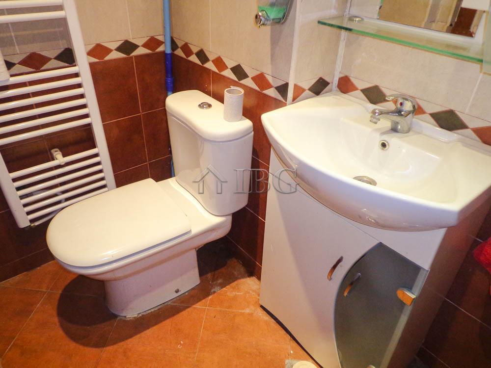 Ruse,Ruse,7 Bedrooms Bedrooms,1 BathroomBathrooms,House,5647