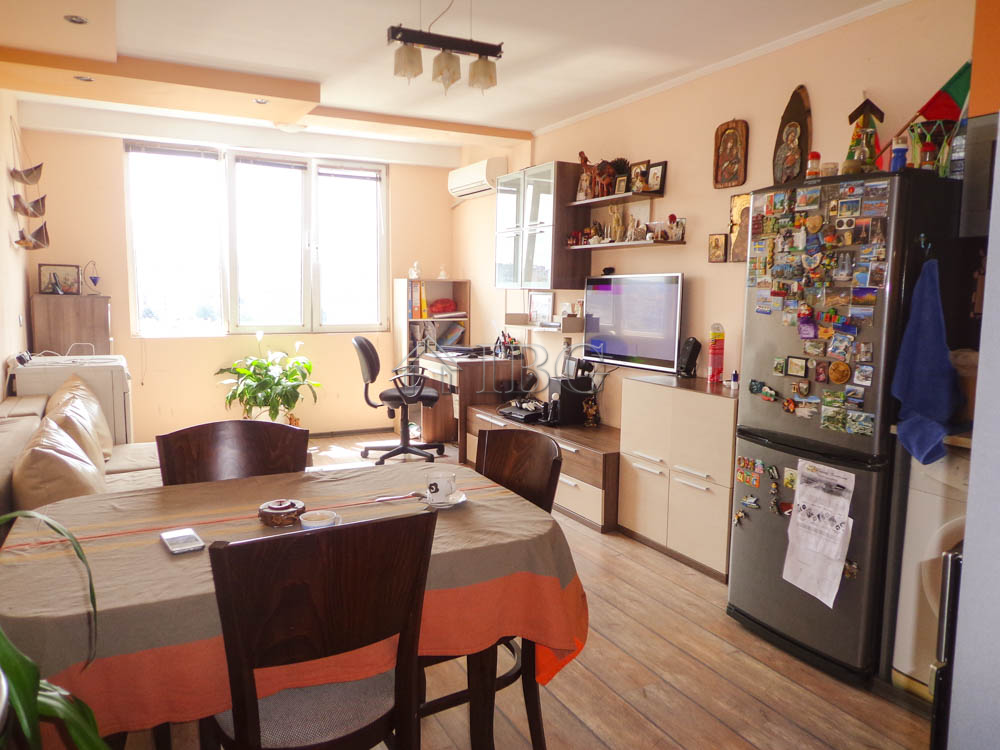 Wonderful, panoramic two-bedroom apartment in the broad center of Ruse