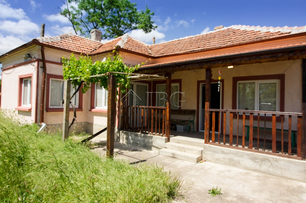 Renovated house with 2 bedrooms and a big bathroom near Dobrich and Balchik