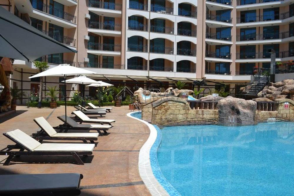 Pool view 1 bedroom apartment karolina sunny beach 100 - Sunny beach pools ...