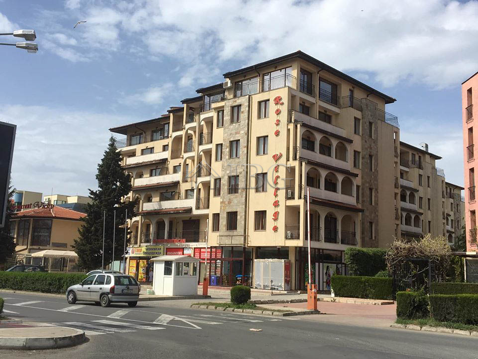 Spacious 78 sq.m. 1-bedroom apartment in Rose Village, Sunny Beach, 200 m to the beach