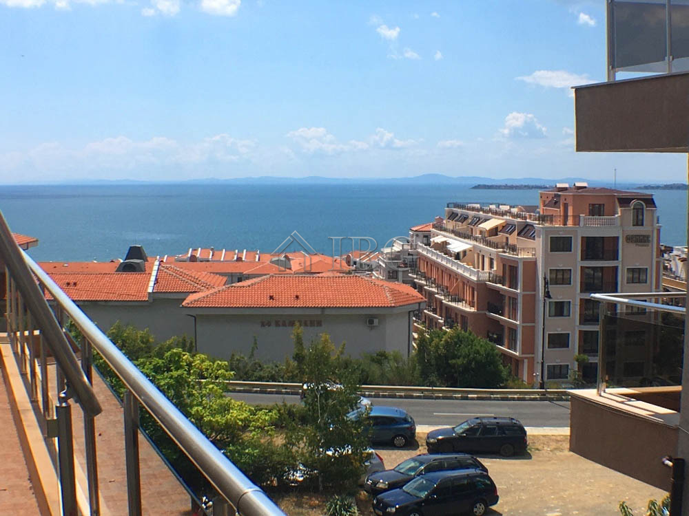 Sea view furnished studio in Sveti Vlas, 500m. to the Beach. No maintenance fee