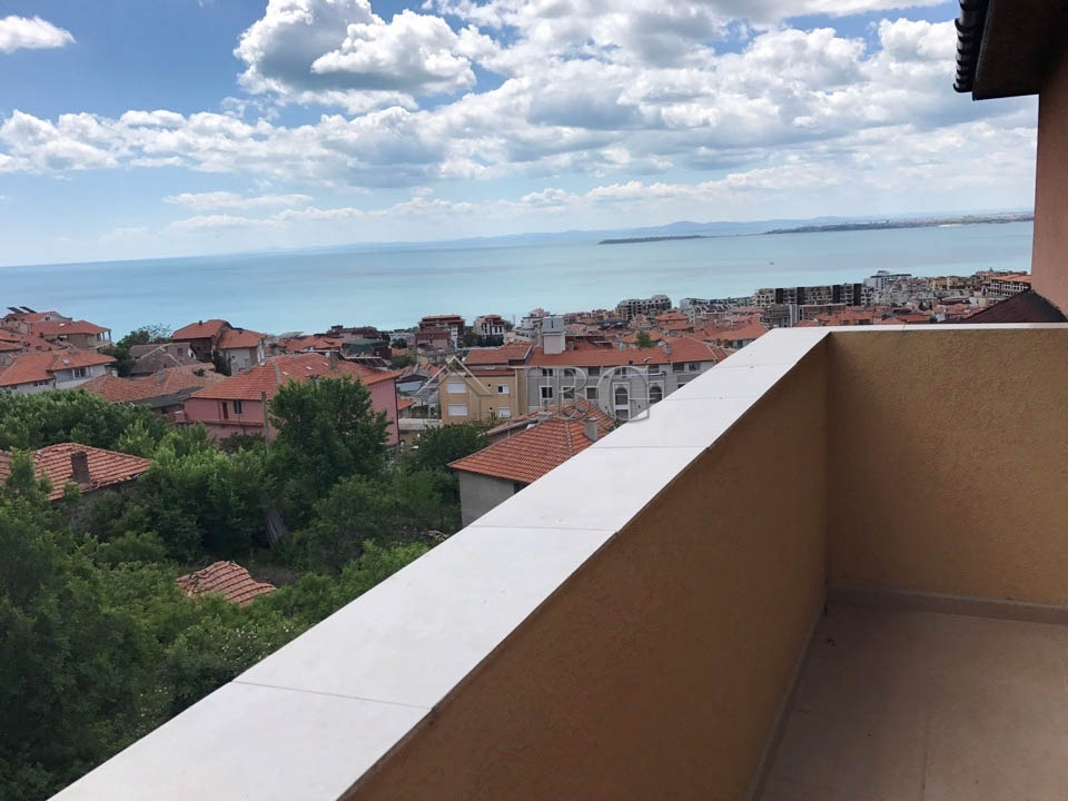 Sea view apartment with 3 Bedrooms and 4 Bathrooms in Sveti Vlas. No Maintenance fee!