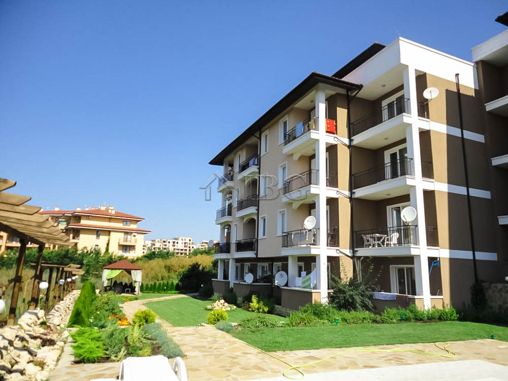 2nd line from the beach! Apartments for sale in complex Domus Extra, Sveti Vlas