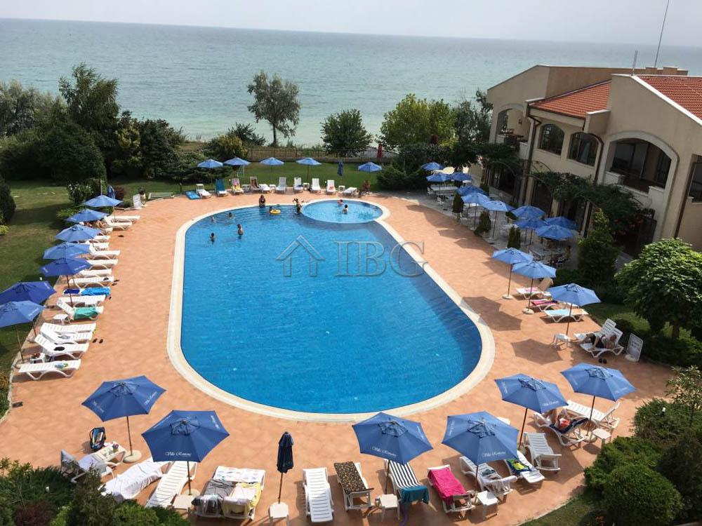 Frontal SEA and Pool view 1 bedroom apartment in Club Villa Romana, Balchik