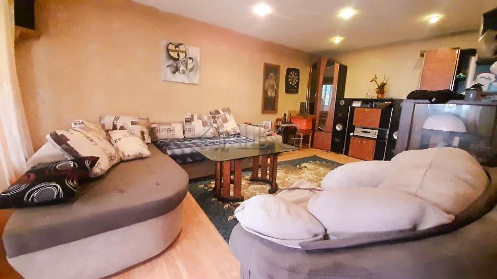 100 sq.m. 2 ? bedroom spacious apartment in Drujba 3 quarter, Ruse city