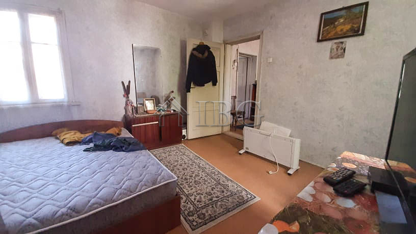 Just with us! 3 ? bed house near the Danube river and the center of Ruse
