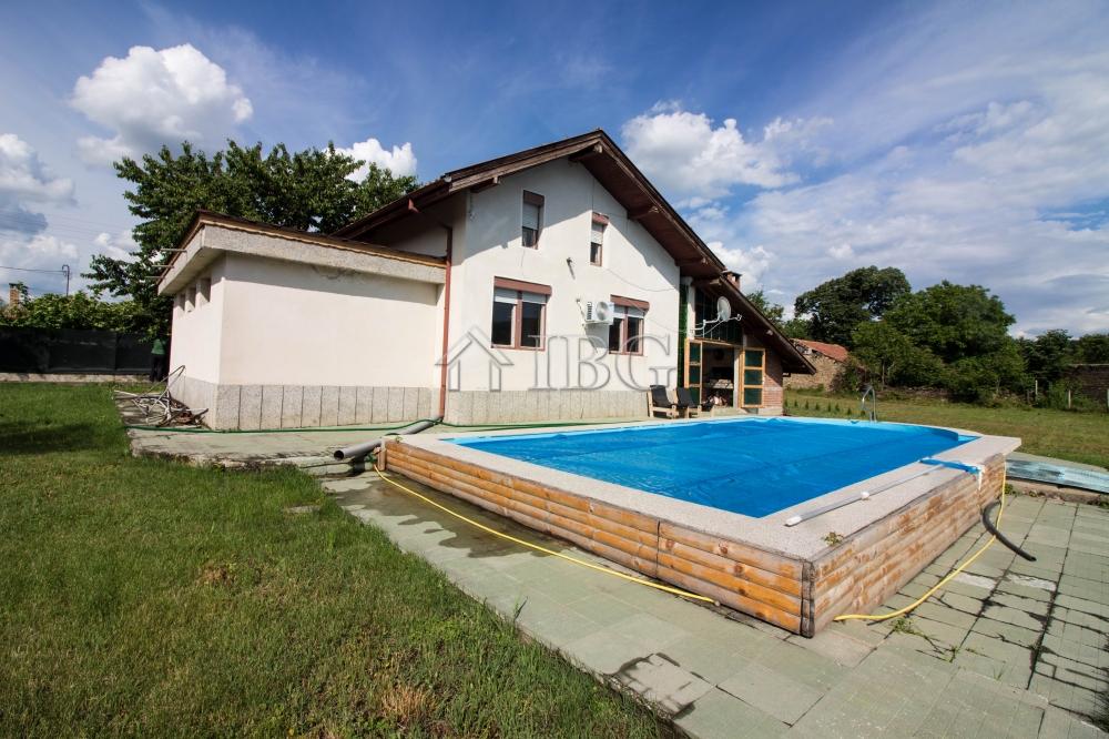 Lovely 2 Bed House With Large Swimming Pool Near Pavlikeni Ibg Real Estate