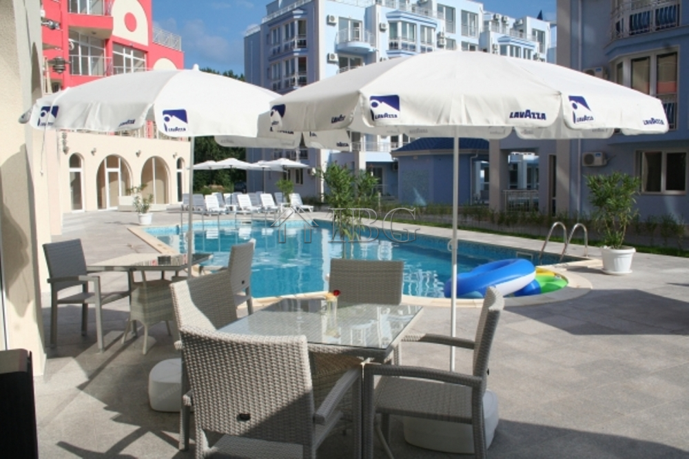 Furnished 1-bedroom apartment with big terrace in Rose Garden, Sunny Beach