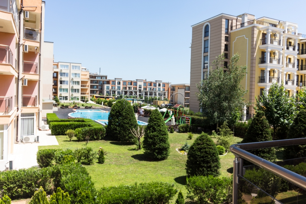 STUDIO with balcony with POOL View in Anna Marina, Sveti Vlas, 150 m to the beach