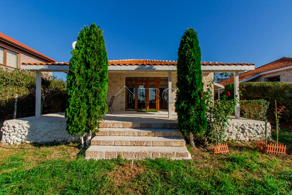 Detached Home with 2 bedrooms just 6 km from Sunny Beach and the sea