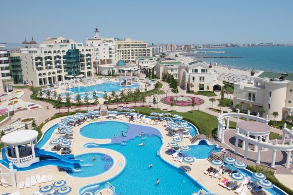 Sea View Studio in the Five-star Sunset Resort Pomorie Bulgaria