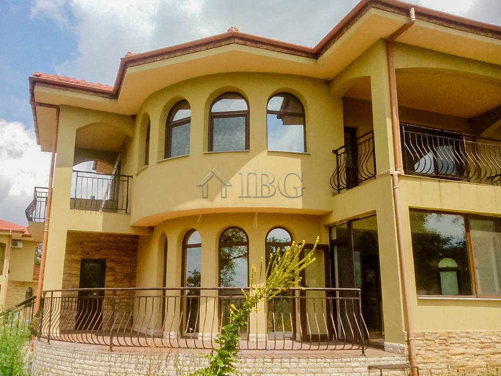 House with 4 bedrooms and 3 bathrooms, 18 km from the Sea