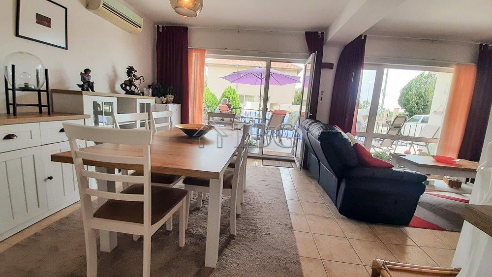 Modern Furnished 2 Bedroom house with swimming pool near the SEA