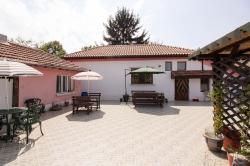 House Dve Mogili