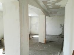 House Slivo Pole